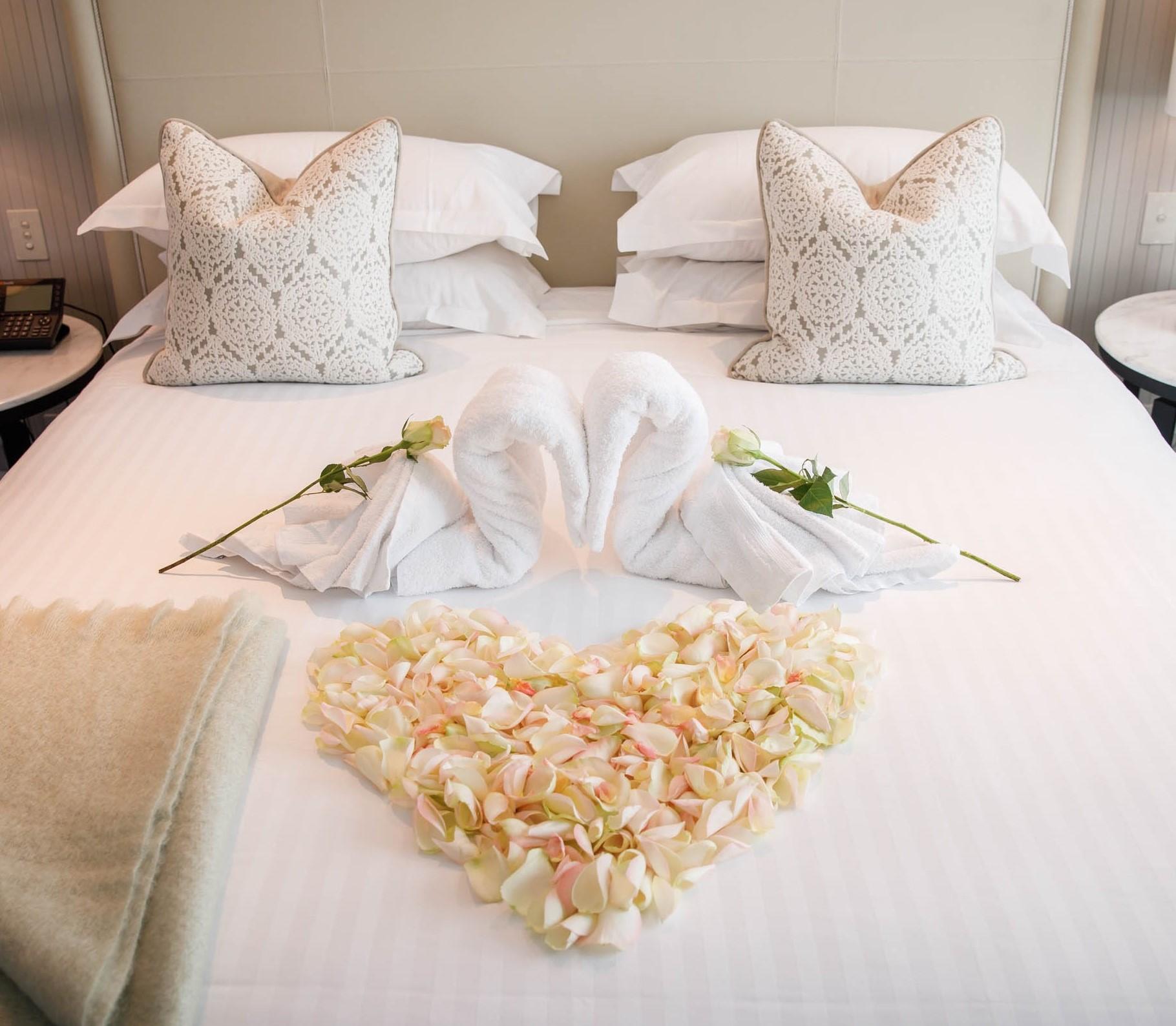 Trang trí phòng cưới đẹp và đơn giản