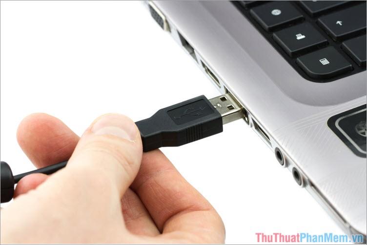 1 kết nối điện thoại với máy tính qua cổng USB