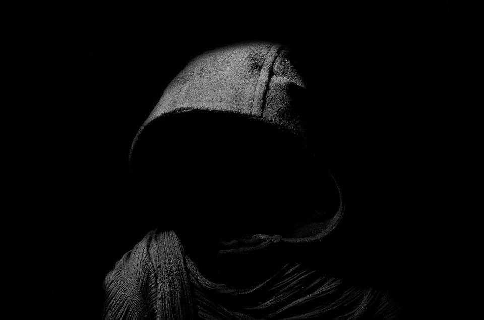 Hình ảnh màu đen đẹp và bí ẩn