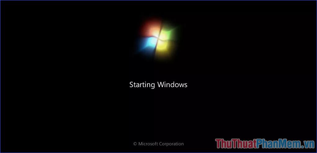 Màn hình Windows 7 bắt đầu khởi động