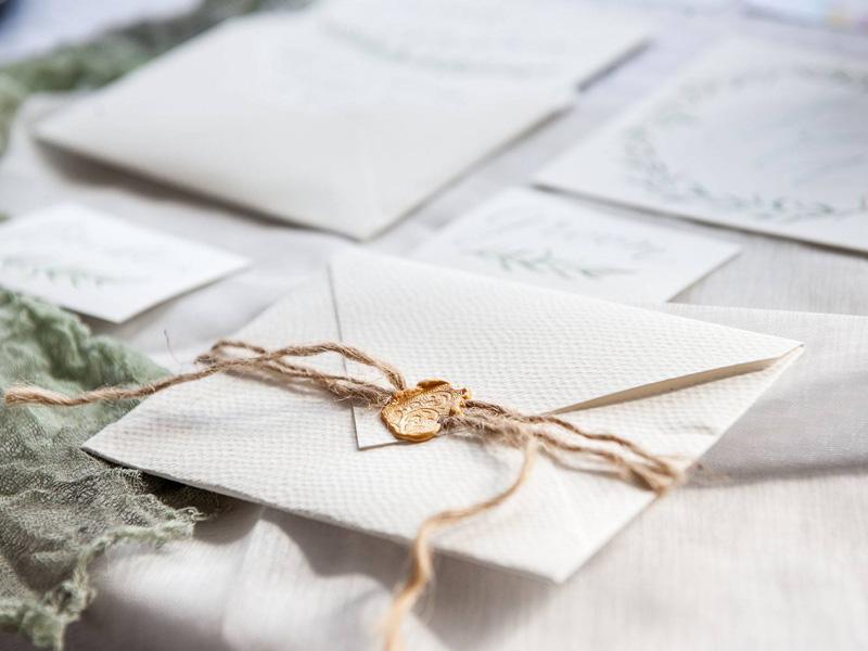 Mẫu thiệp cưới đóng dấu độc đáo