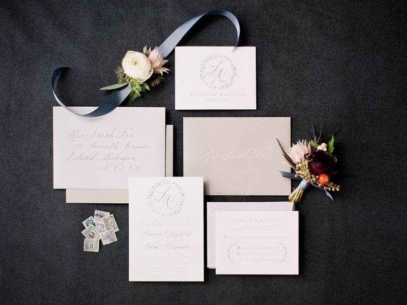 Mẫu thiệp cưới hiện đại và đẹp