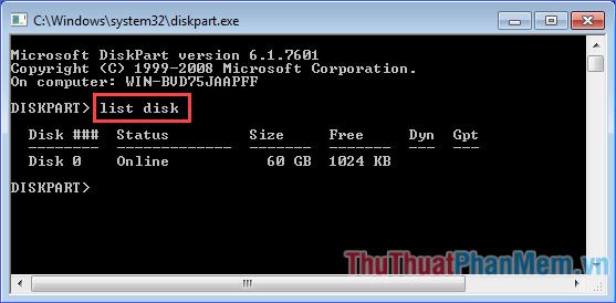 """Trên giao diện DiskPart, gõ lệnh """"list disk"""", rồi ấn Enter"""