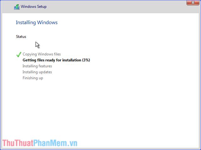 Chờ đợi quá trình cài đặt Windows 10 hoàn tất