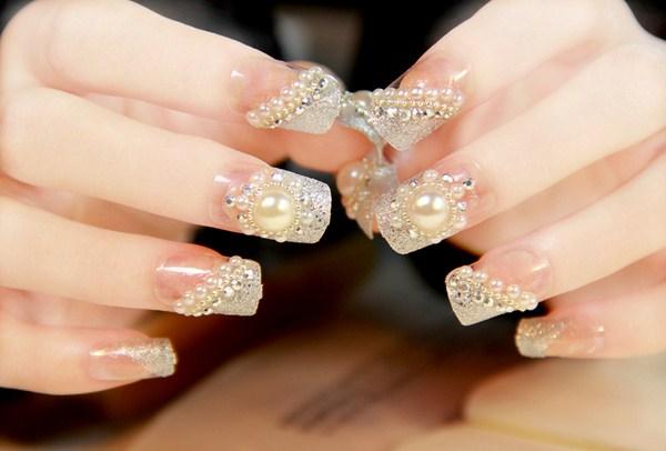 Các mẫu nail đính đá đẹp