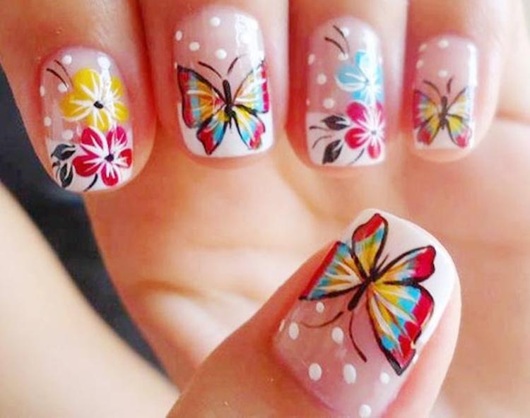 Mẫu nail hình con bướm độc đáo