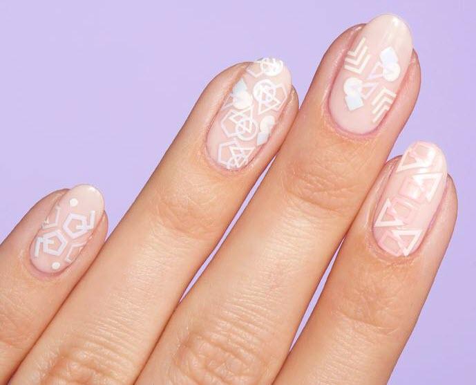 Mẫu nail hình nghệ thuật đẹp