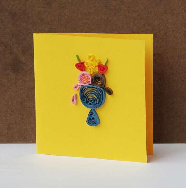 Thiệp handmade cuộn giấy xinh xắn có hình ly kem tươi