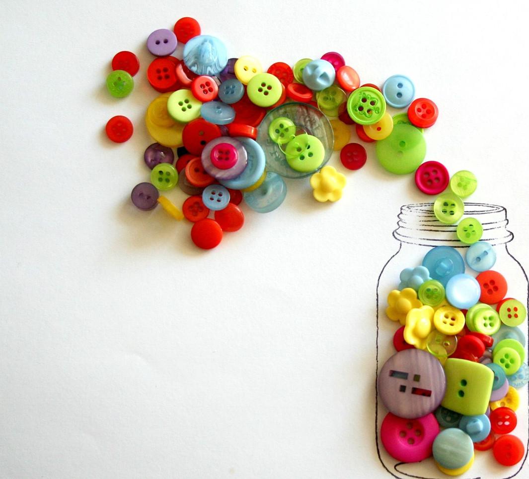 Thiệp handmade mùng 8 tháng 3 làm từ cúc áo đơn giản cho bé