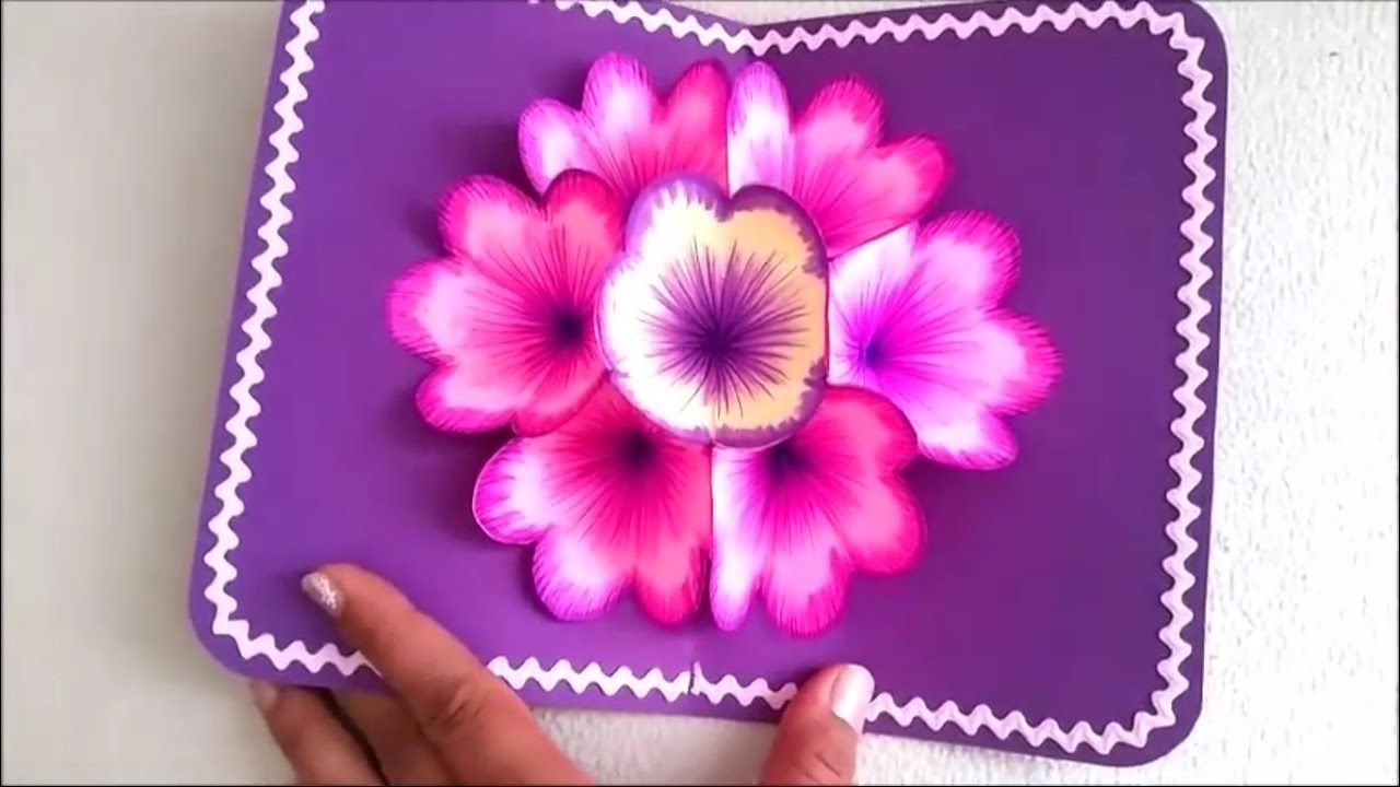 Thiệp handmade mùng tám tháng ba cắt dán những bông hoa sặc sỡ