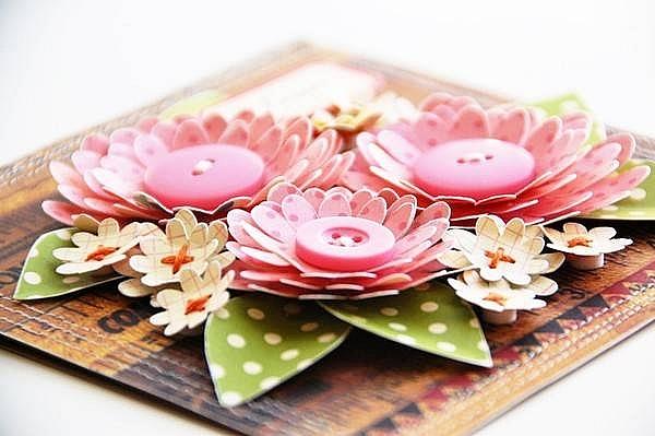 Thiệp handmade những cánh hoa trùng điệp dễ thương