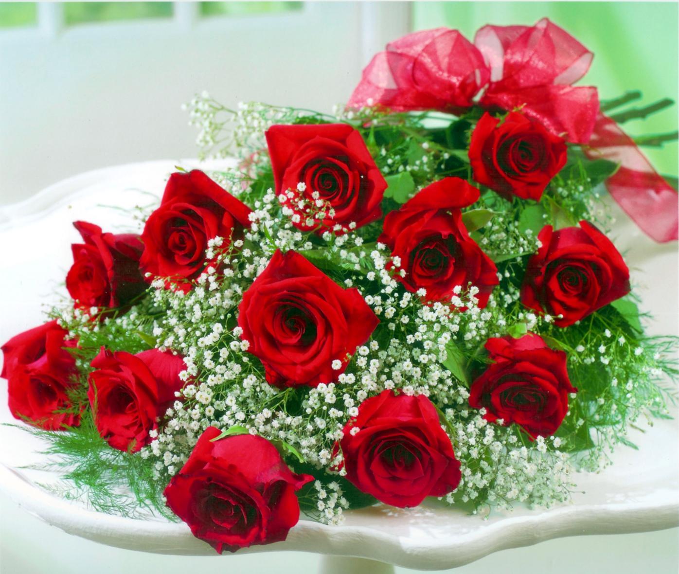Hình ảnh bó hoa hồng đỏ tươi thắm