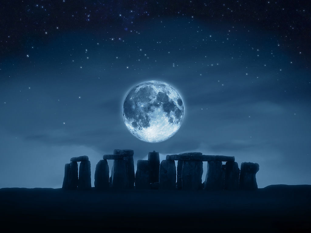 Ảnh đẹp về mặt trăng trên bầu trời