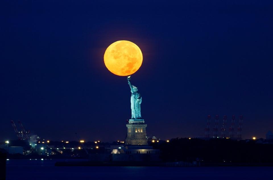 Hình ảnh mặt trăng độc đáo