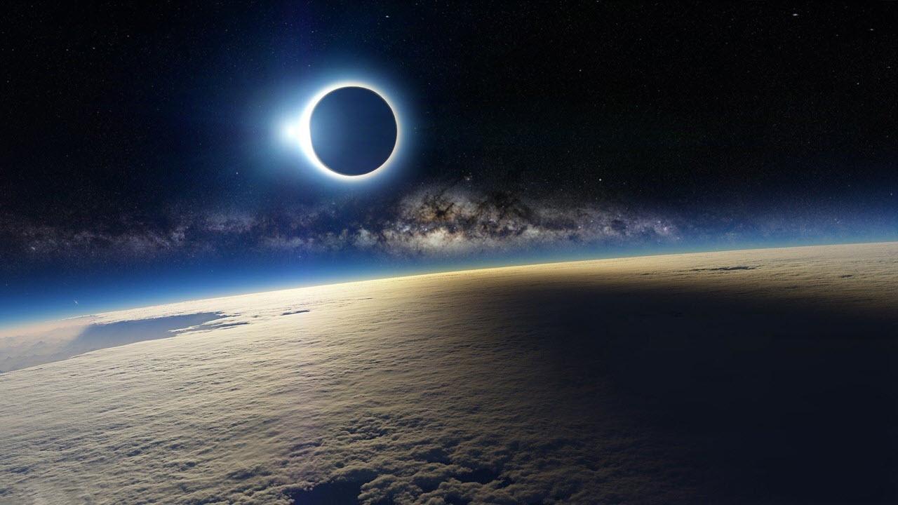 Hình ảnh mặt trăng ngoài không gian