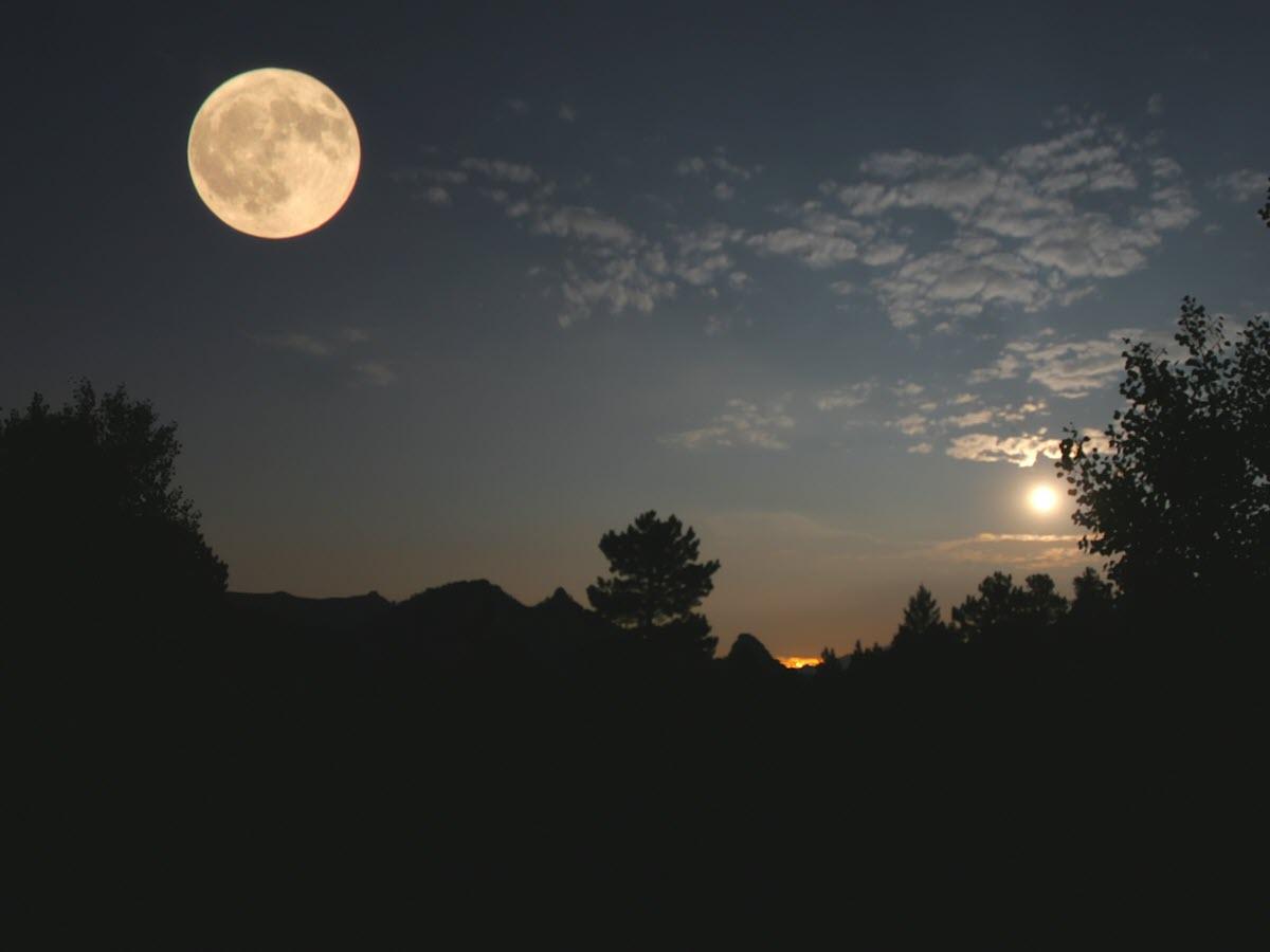 Những hình ảnh mặt trăng đẹp