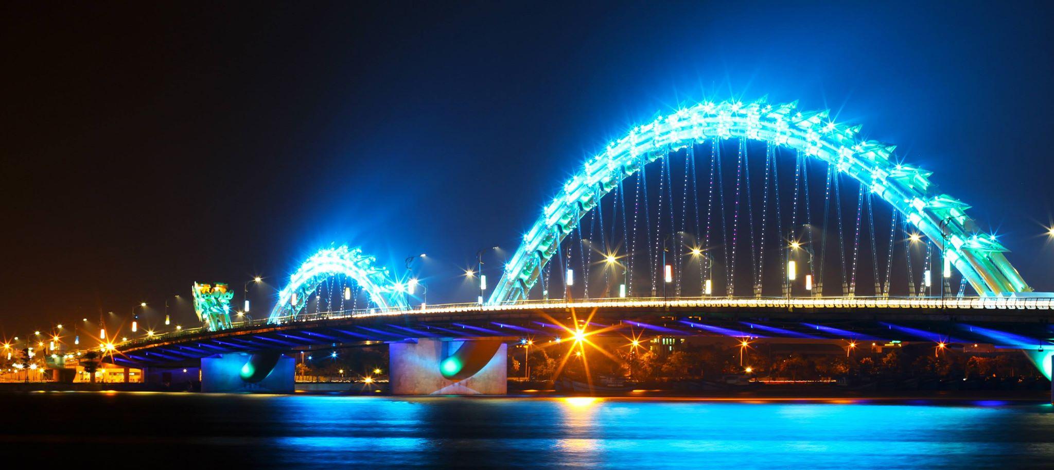 Cầu rồng Đà Nẵng đèn xanh