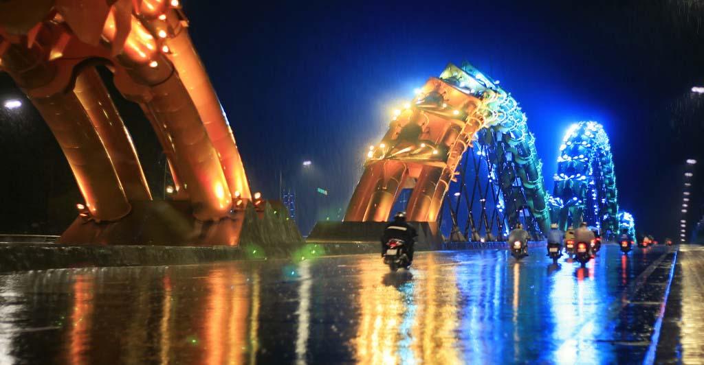 Hình ảnh trên cầu Rồng Đà Nẵng