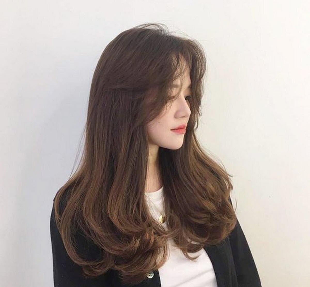 Các kiểu tóc xoăn đuôi