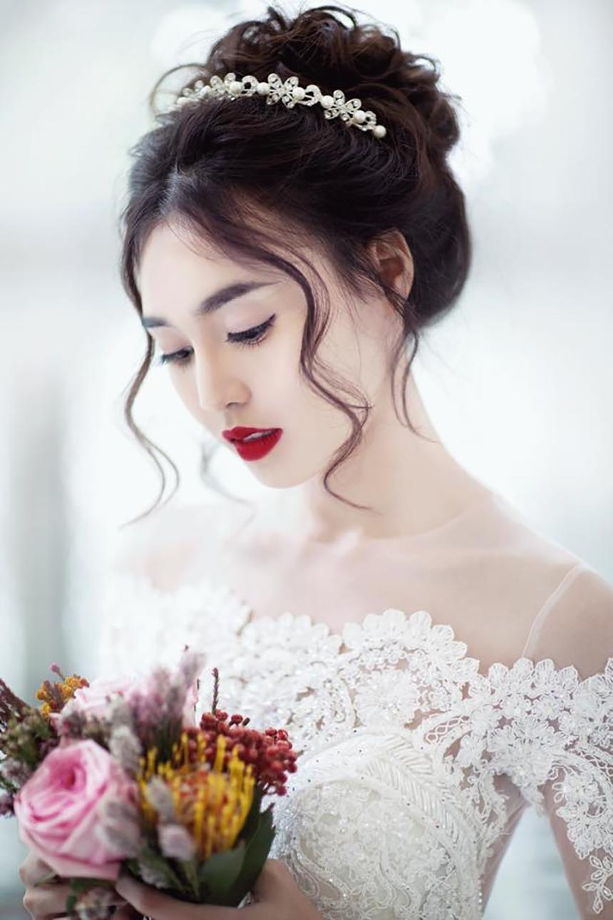 Kiểu tóc cô dâu phong cách boho đẹp nhât