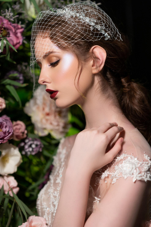 Kiểu tóc cô dâu phù hợp với khuôn mặt tròn