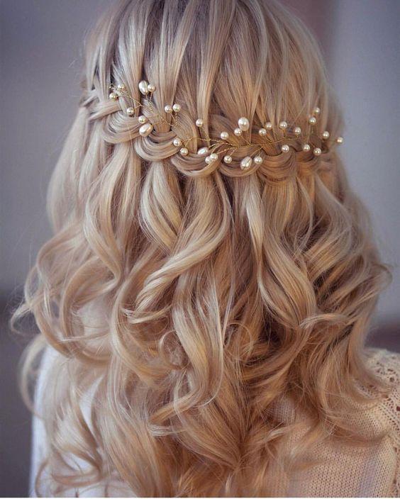 Kiểu tóc cô dâu sóng nước