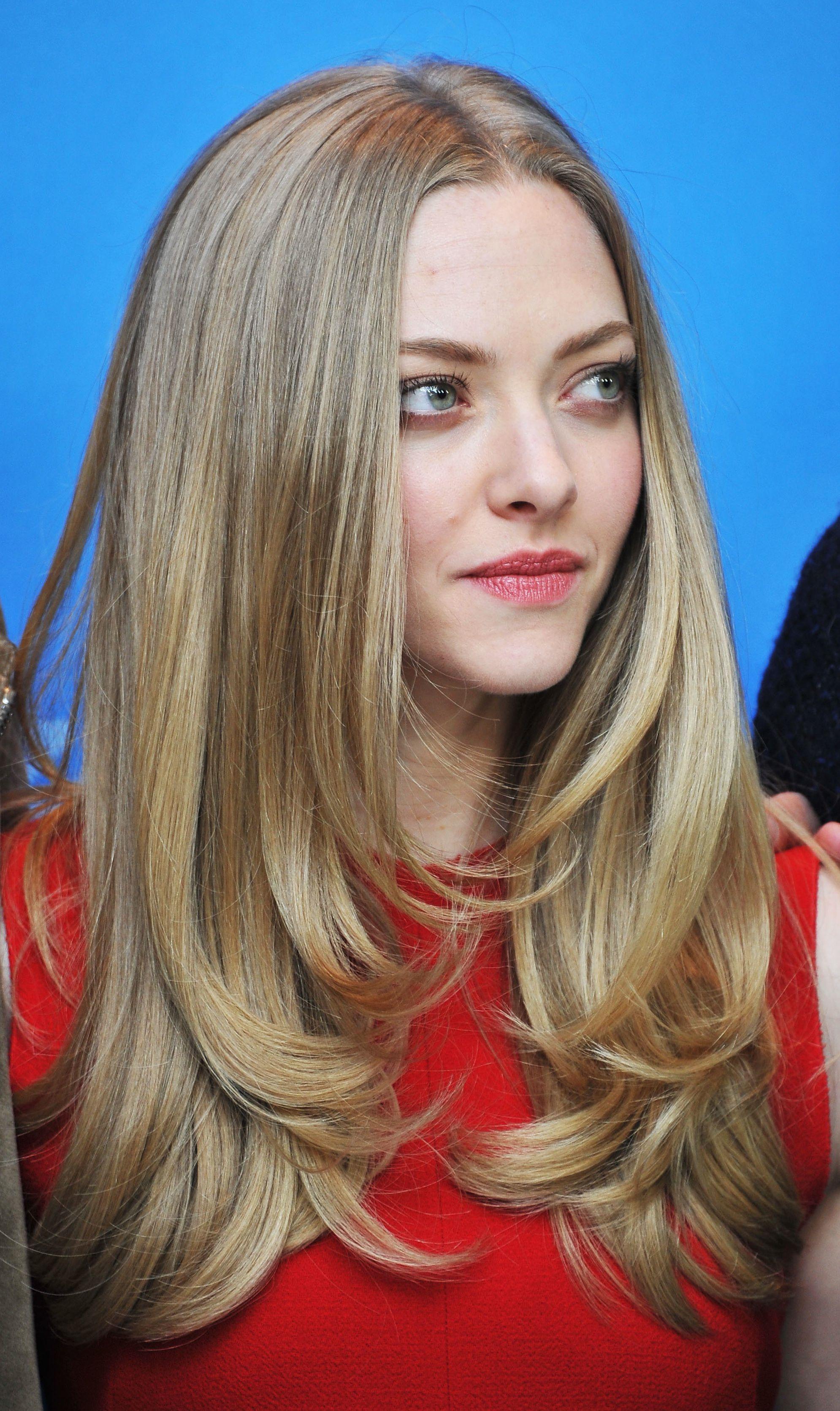 Kiểu tóc Layer xoăn nhẹ cho nữ