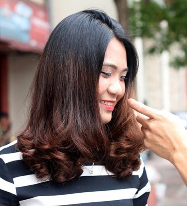 Kiểu tóc uốn xoăn đuôi