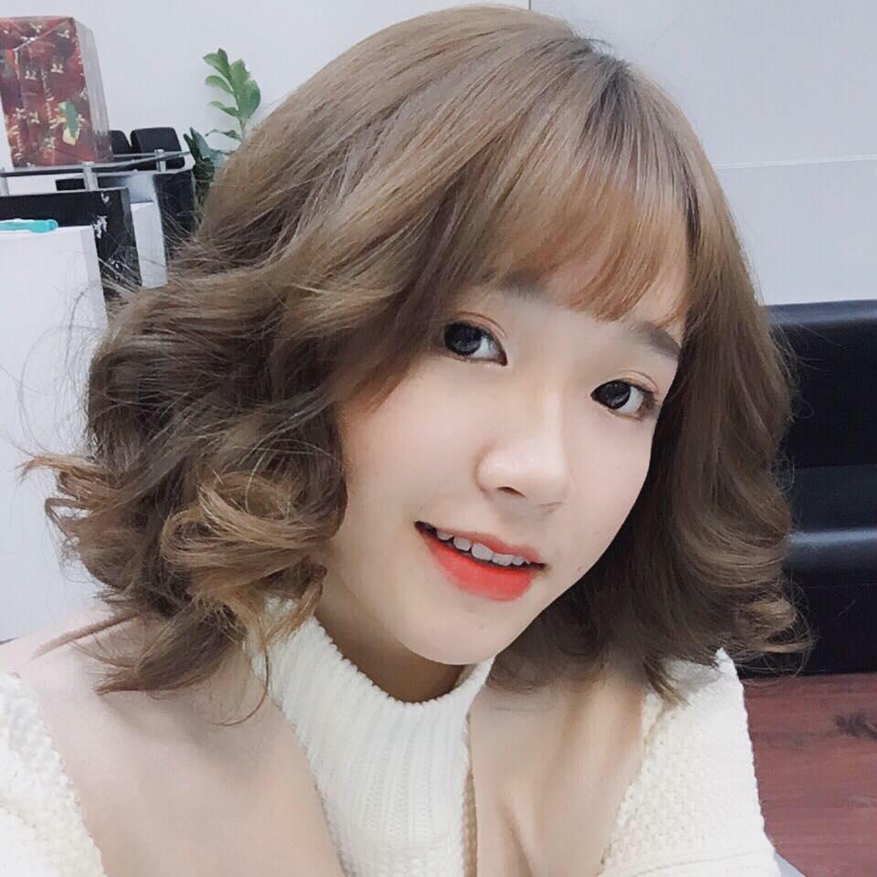 Kiểu tóc xoăn ngắn lọn to cực đẹp