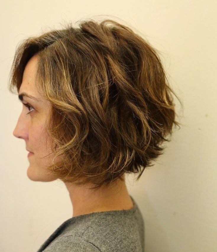 Mẫu tóc bob xoăn