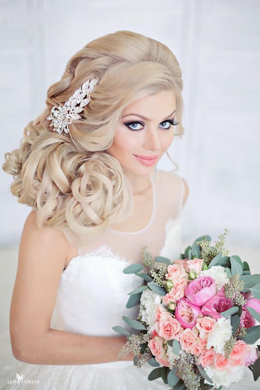 Những kiểu tóc cô dâu đẹp lộng lẫy trong ngày cưới