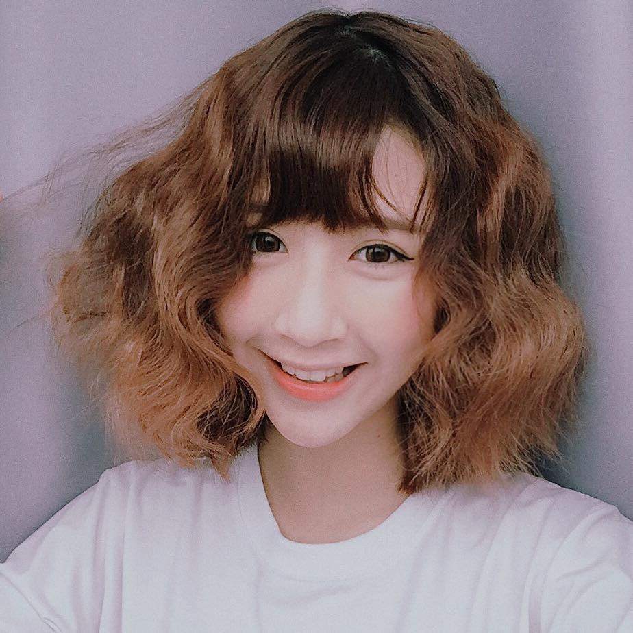 Tóc xoăn ngắn đẹp cho bé gái