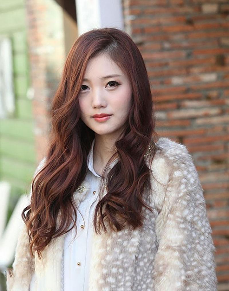 Các kiểu tóc dài xoăn nhẹ đẹp nhất