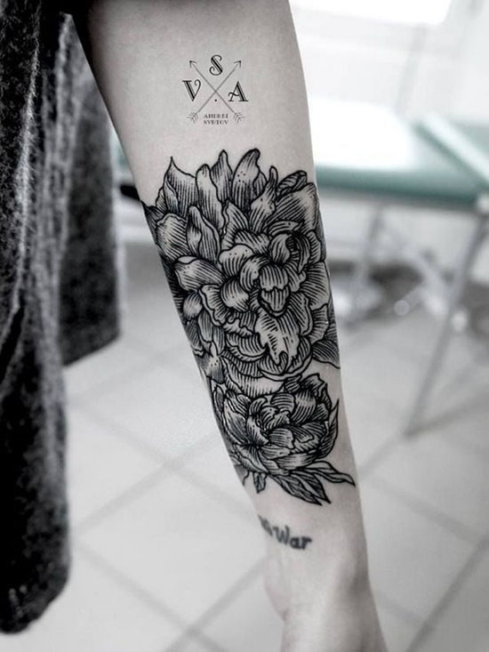 Hình xăm hoa văn trên cánh tay đẹp