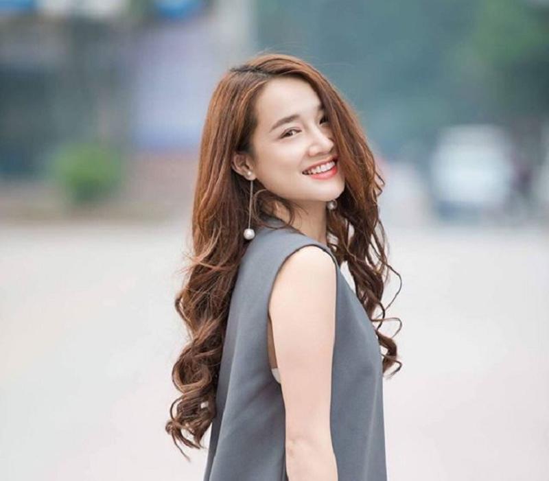 Kiểu tóc dài hai mái đẹp nhất