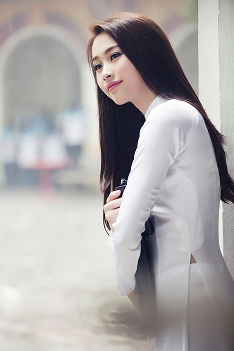 Kiểu tóc dài thẳng đẹp