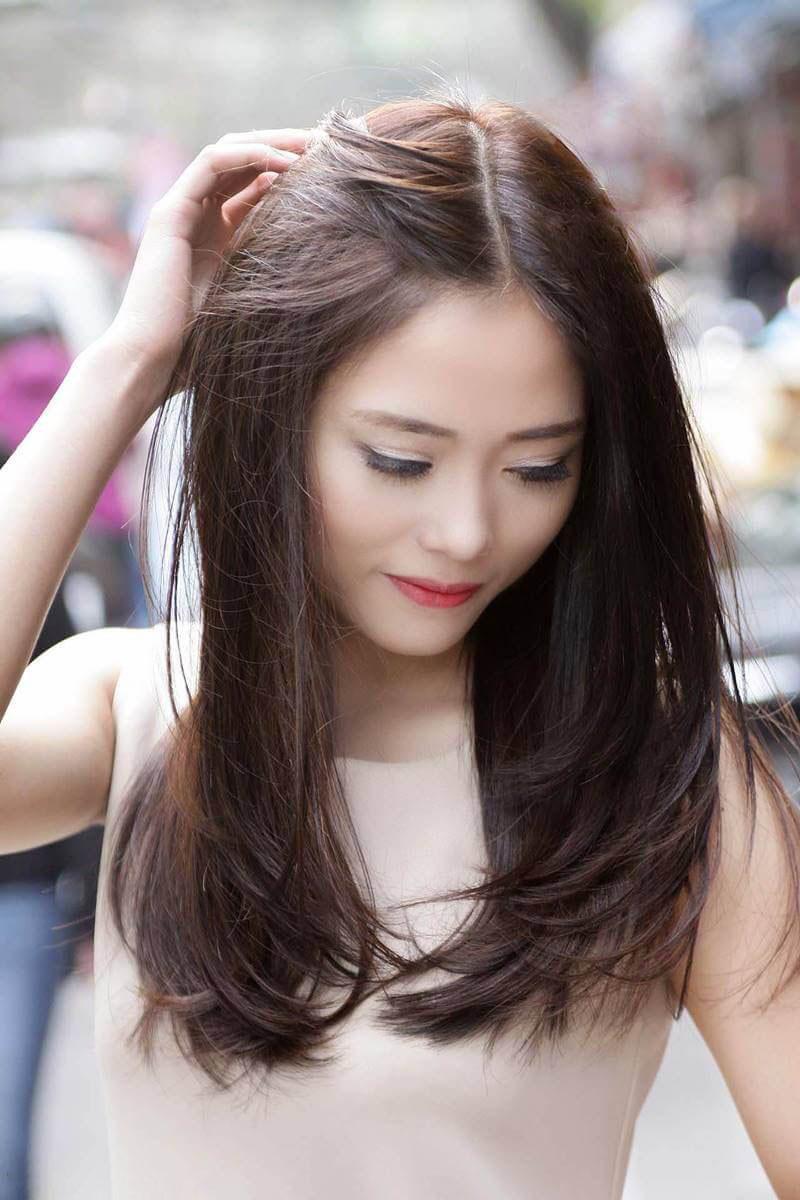 Kiểu tóc dài uốn cụp đuôi đẹp nhất