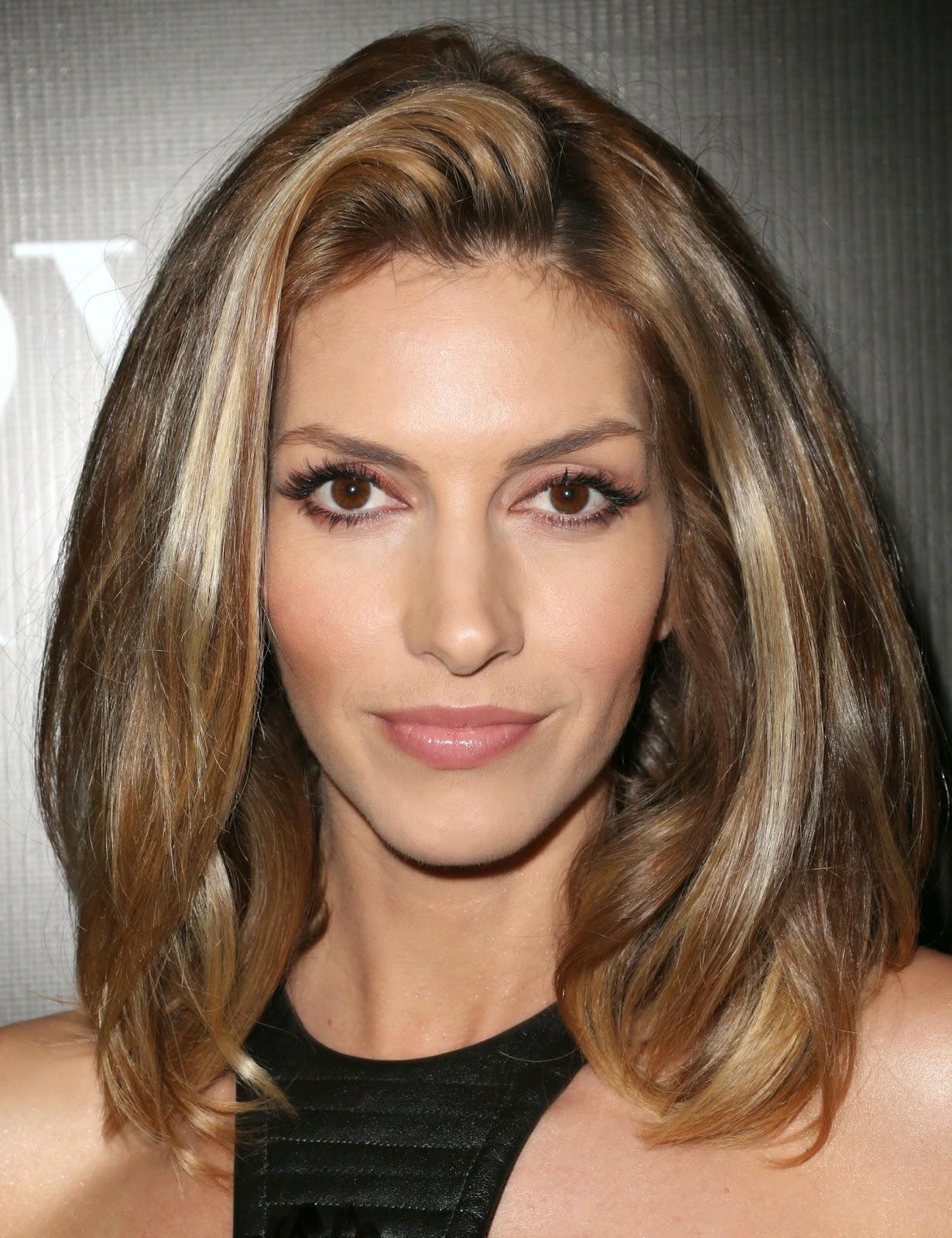 Kiểu tóc ngắn ngang vai uốn cụp cho mặt vuông dài đẹp nhất