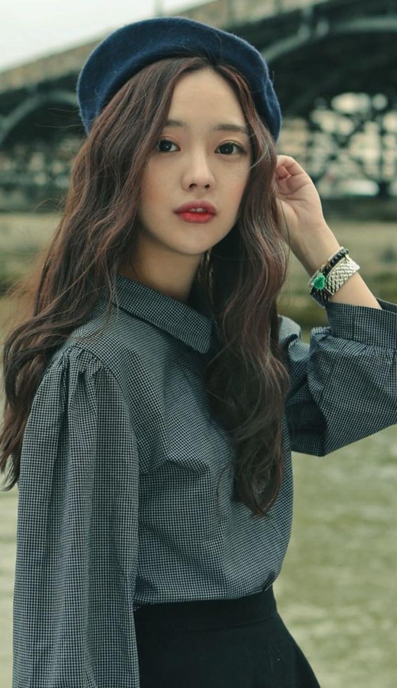 Kiểu tóc xoăn gợn sóng Hàn Quốc