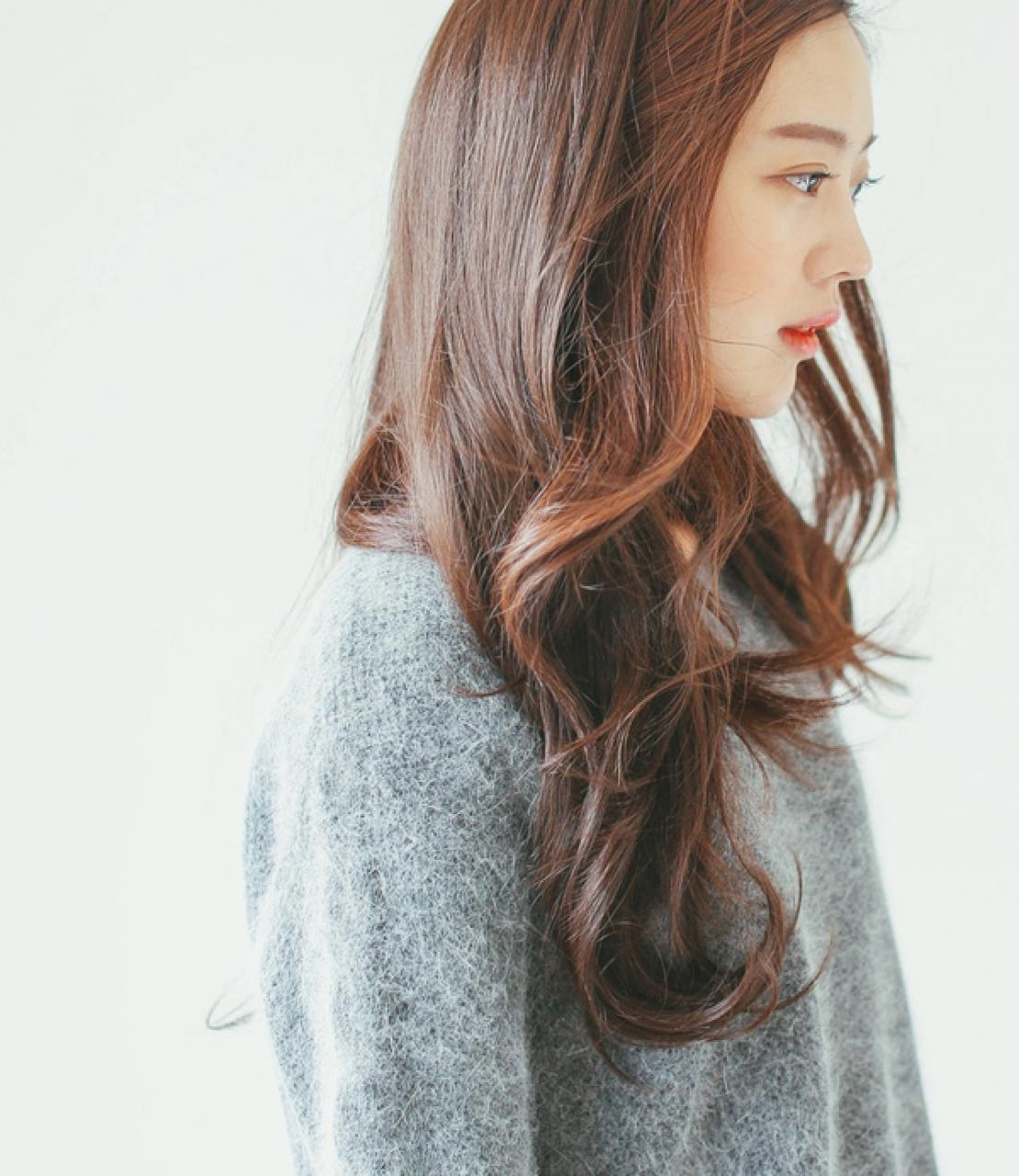 Kiểu tóc xoăn gợn sóng tự nhiên