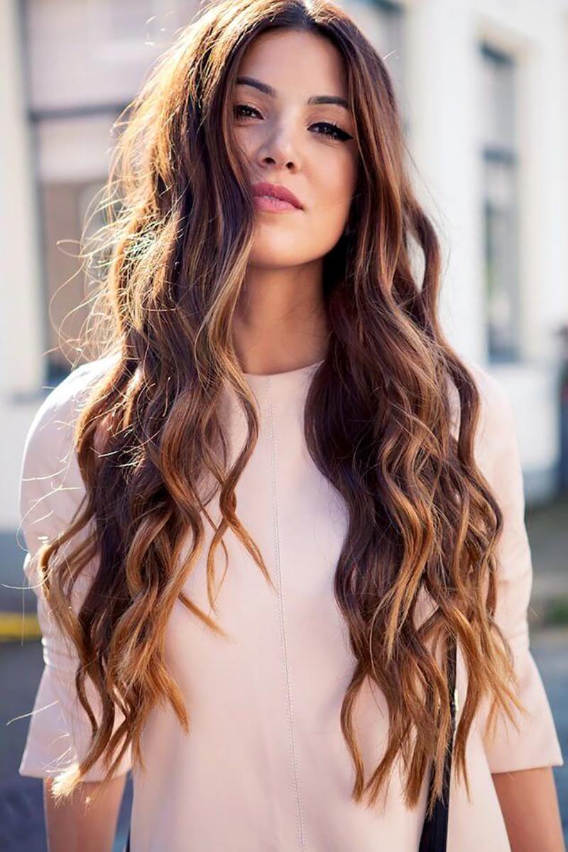 Kiểu tóc xoăn uốn gợn sóng đẹp nhất cho nữ
