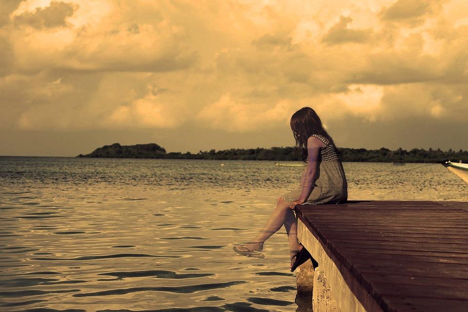 Tổng hợp hình ảnh cô gái buồn đẹp nhất