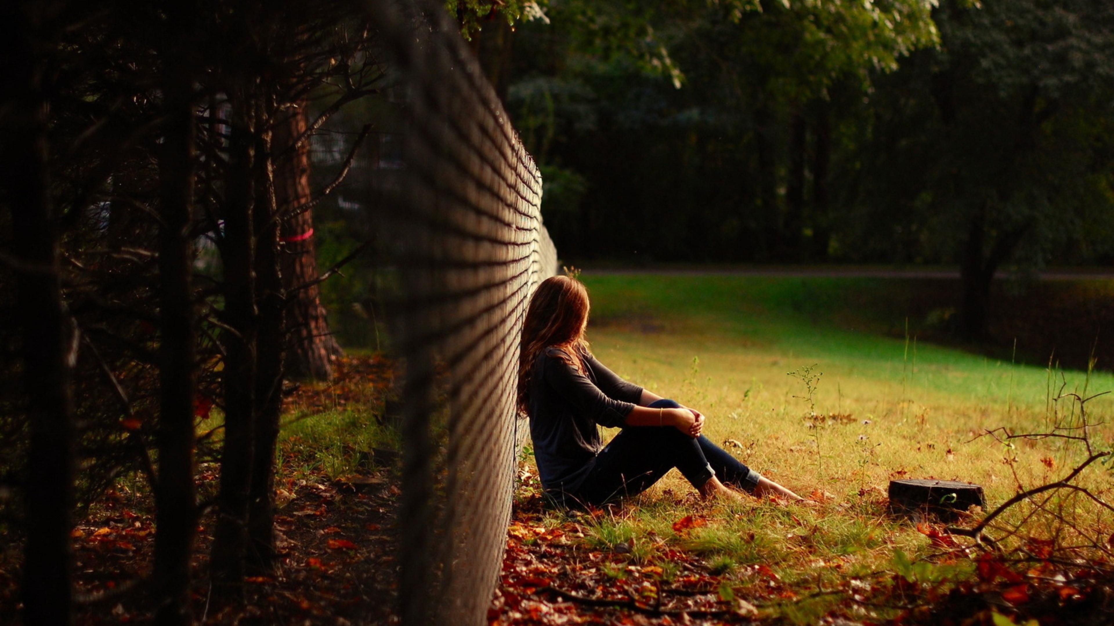Tổng hợp hình ảnh cô gái cô đơn