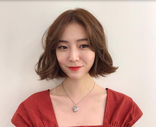 Kiểu tóc ngắn Hàn Quốc đẹp nữ tính