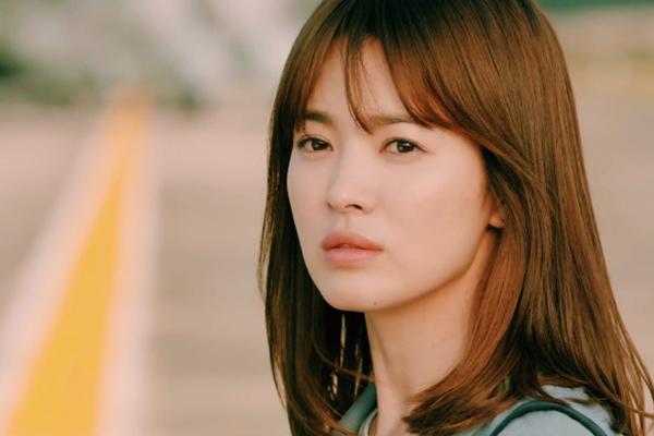 Tóc xoăn ngắn ngang vai Hàn Quốc