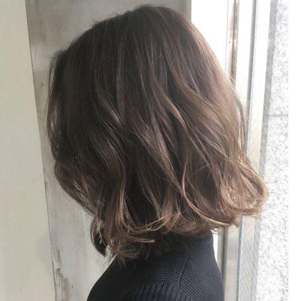 Kiểu tóc ngắn uốn xoăn sóng nước