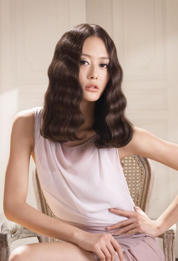 Kiểu tóc ngăn xoăn sóng đẹp