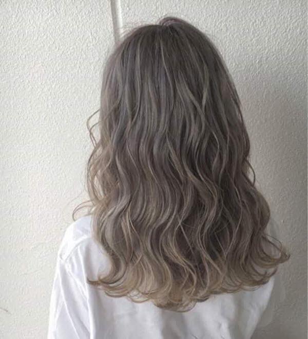 Kiểu tóc ngắn xoăn sóng nước Hàn Quốc