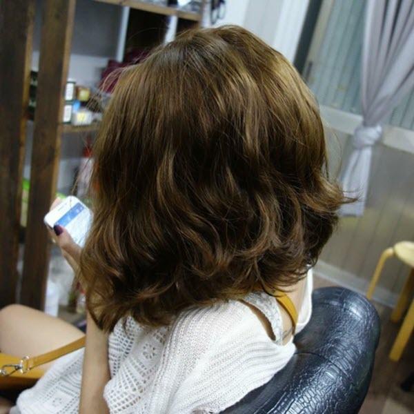 Kiểu tóc xoăn sóng nước ngắn đẹp