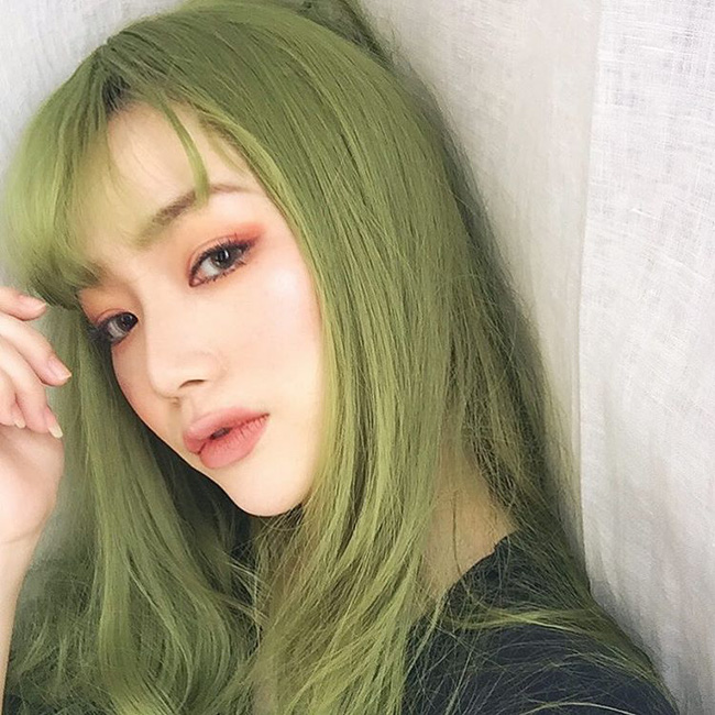 Màu tóc xanh lá mạ đẹp